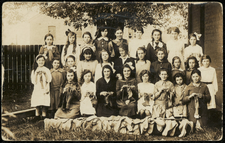 Caption: Camperdown Public School - knitting  Digital ID: 15051_a047_002311.jpg  Date: c. 31/12/1916